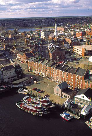 Portsmouth, New Hampshire ~ lighthouses, quaint avenues on picturesque coast                                                                                                                                                     More