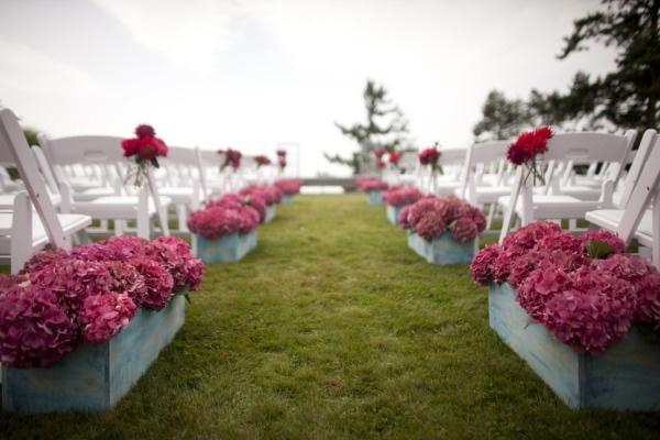 hydrangea lined aisle Photography by J Garner Studios / jgarnerphoto.com/, Event   Floral Designer by Bella Signature / bellasignature.com/, Event Planning by Event Success / nweventsuccess.com/