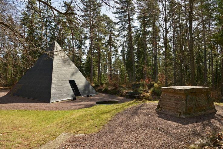 Hidden Gems, Aneby, Stierngranat's monuments (Stierngranats minnesmärken)