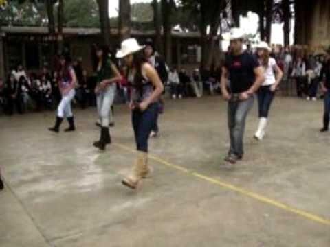 Dança Escolar Country 1º B - Little Bitty (Allan Jackson)