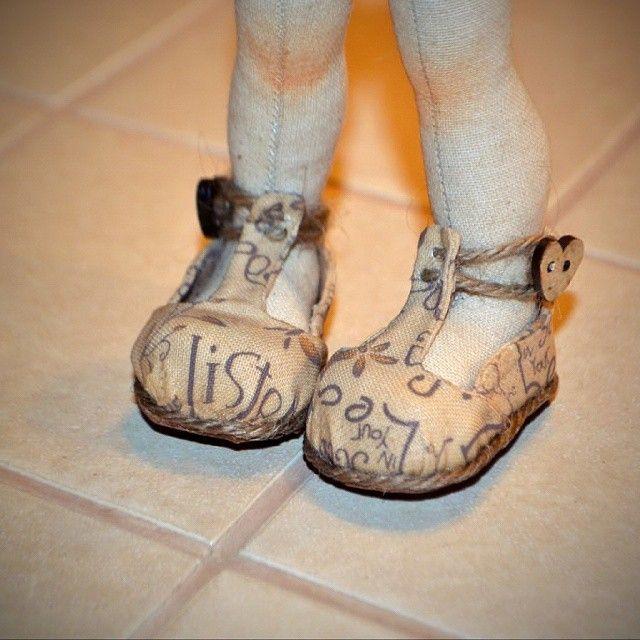 Начинаем наряжаться с обуви.  #dolls #artdoll a#ручнаяработа #кукларучнойработы #авторскаякукла