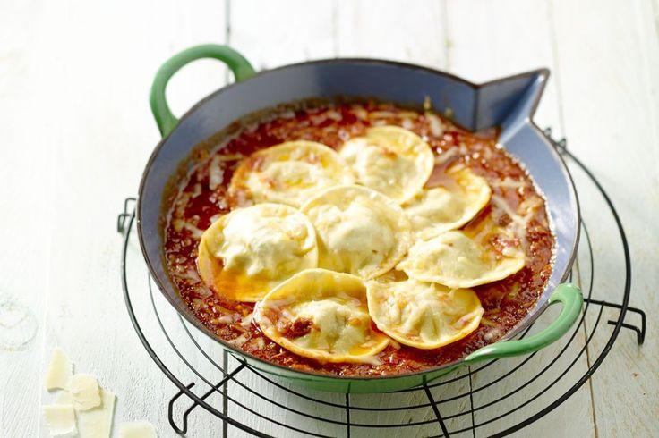 Ik ben dol op ovenschotels, zeker op gure hersfstdagen zijn ze de perfecte maaltijden om klaar te maken: ze zijn snel voor te bereiden, je kan er alle kanten mee op en ze smaken lekker verwarmend. In iedere wereldkeuken is er een mooi aanbod aan ovenschotels te vinden. Ik focus me nu even op de Italiaanse keuken en laat je graag kennis maken met enkele recepten die in de oven bereid worden.