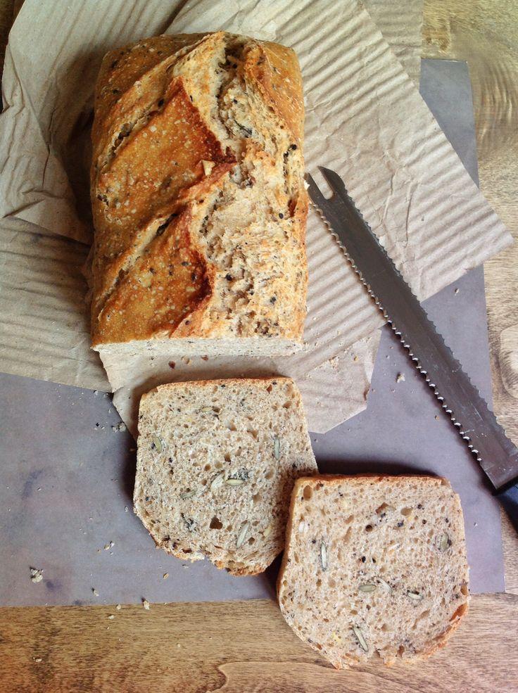 Te enseñamos a hacer este pan paso a paso con semilla de calabaza y pipas de girasol