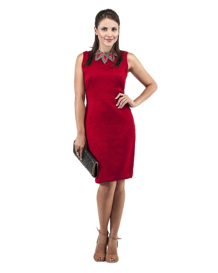 Depois do trabalho você tem um importante jantar? Então um vestido elegante em gorgurão de viscose é a roupa perfeita para o dia.