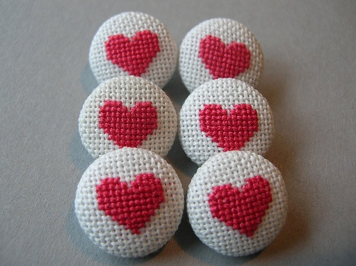 Small cross stitch buttons- Hot pink hearts by Betty Breeze, via Flickr