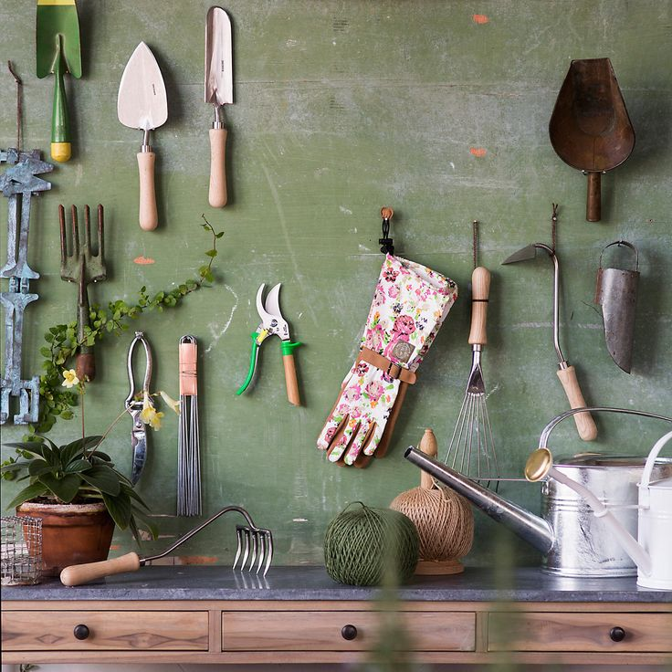 Sneeboer Traditional Dutch Transplanting Trowel in Garden Tools at Terrain