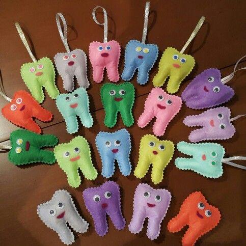 Hem anahtarlık hem magnet keçeden dişlerimiz :)