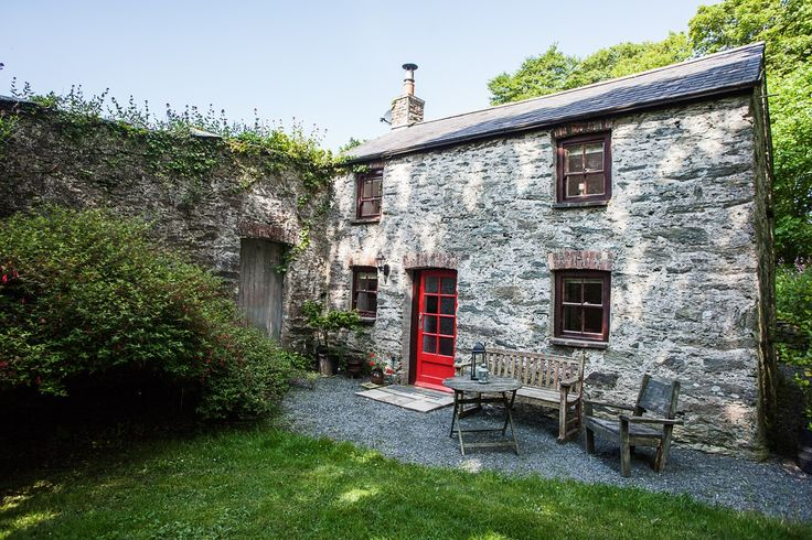 Beautiful traditional stone cottage set in the magical woodland grounds of a Welsh country estate -  the perfect romantic hideaway just for the two of you