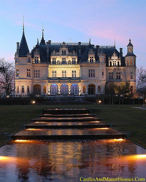 Château PichonParempuyre, Gironde, Aquitaine, France.http://www.castlesandmanorhouses.com/photos.htmLe château Pichon was built in 1881 in a neo-renaissance style combining elements of the châteaux de la Loire. It was inscribed in the list of monuments historiques in 2000.