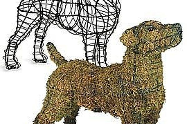Many people think that making an animal topiary is a really difficult and time consuming project, not so!  You can make a topiary in your favorite shape in just a couple of hours.  Not only are they fast and easy to make, but they are beautiful and you can profit from your work!