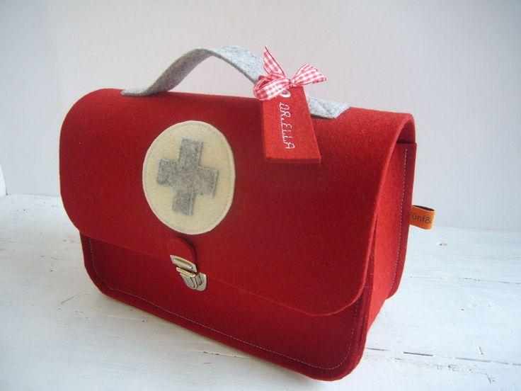 Puppen - ♥ Arztkoffer ♥ Puppendoktor ♥ Doktorkoffer - ein Designerstück von Fuenfundsiebzig bei DaWanda