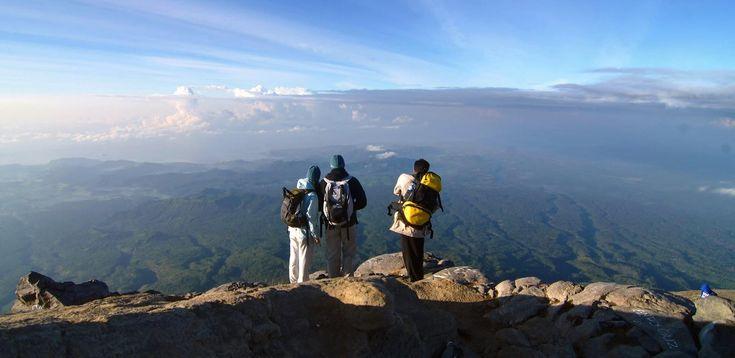Подьем на вулкан Агунг,  экскурсии на бали, бали экскурсии, экскурсии бали, экскурсии на бали цены, экскурсия бали, экскурсия на бали, стоимость экскурсий на бали, остров бали экскурсии, экскурсии бали индонезия, экскурсии на острове бали, экскурсии по индонезии, отдых на бали экскурсии, бали ява экскурсии, трансфер на бали, бали, серфинг, дайвинг, круизы, рафтинг, рыбалка, сафари парк, сафари на бали,  экскурсии на комодо и флорес  http://balilive.ru/excursions/podem-na-vulkan-agung-16.html