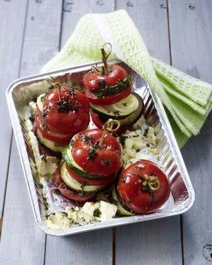 laktosefrei - Gemüsetürmchen mit Tomate, Zucchini, Aubergine, Zwiebel und Feta