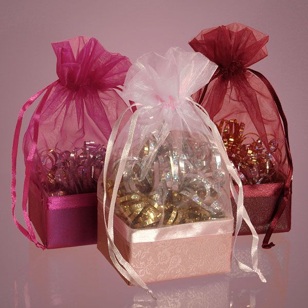 262 best GIFT BAGS POTLI STYLE images on Pinterest | Gift bags ...