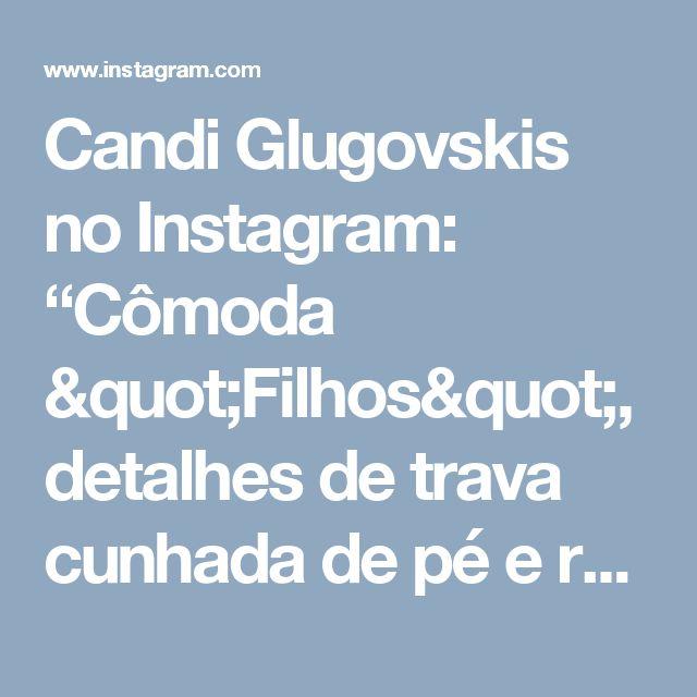 """Candi Glugovskis no Instagram: """"Cômoda """"Filhos"""", detalhes de trava cunhada de pé e rebaixo no tampo. Feita em pinus #comodas #montessori #arquitetura #designer #interiores…"""""""