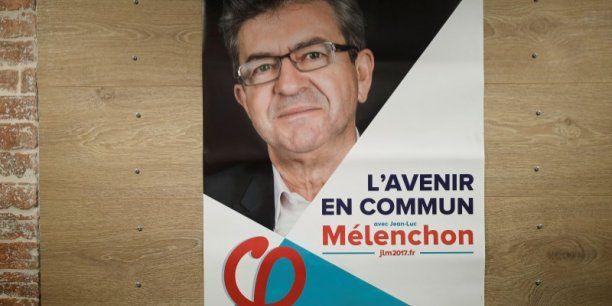 """PARIS - Jean-Luc Mélenchon est le candidat qui a le plus convaincu les électeurs lors des deux dernières semaines, selon un sondage Viavoice pour Libération. D'après l'enquête, 51% des Français jugent """"convaincant"""" le candidat de La France insoumise, contre 38% pour Emmanuel Macron et 28% pour Marine Le Pen. Philippe Poutou, qui s'est fait remarquer lors du débat télévisé entre les onze prétendants à l'Elysée, est jugé convaincant par 27% des électeurs. Le candidat d..."""