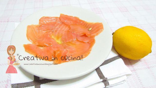 Salmone affumicato e marinato, a dir poco ottimo!! Per la ricetta facile facile >> http://creativaincucina.blogspot.it/2015/10/salmone-affumicato-marinato.html Smoked salmon and marinated, nothing short of excellent !! For easy recipe >> http://creativaincucina.blogspot.it/2015/10/salmone-affumicato-marinato.html