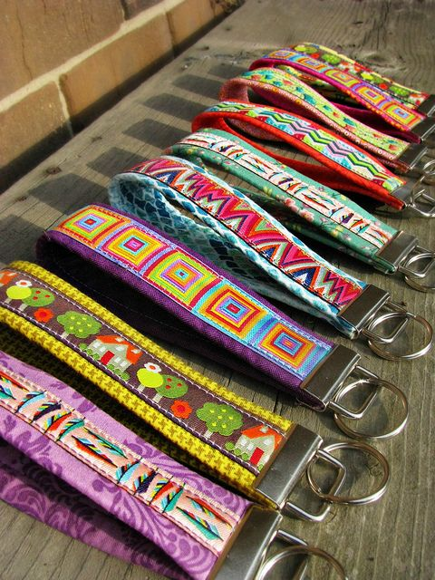 How To Make Ribbon Key Fobs. My FB friend Sarah Cooper made these. If you want to be crafty, follow Sarah! She's talented!