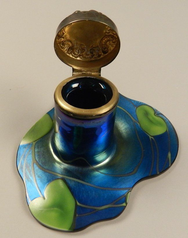 Tiffany Studios Glass Ink Well, Signed L.C. Tiffany. Late 19th / Early 20th century