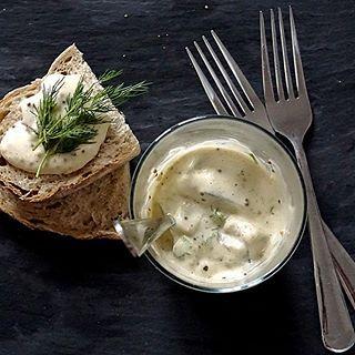 🐟 #śledź #śledzie #sosmusztardowy #koperek #PodNiebienie #herring #mustardsauce #dill #christmaspreparations #christmasiscoming #christmastime #christmasiscoming #healthyfood #healthyeating #foodphotography #kuchnia #kitchen #cooking #foodie #wiemcojem