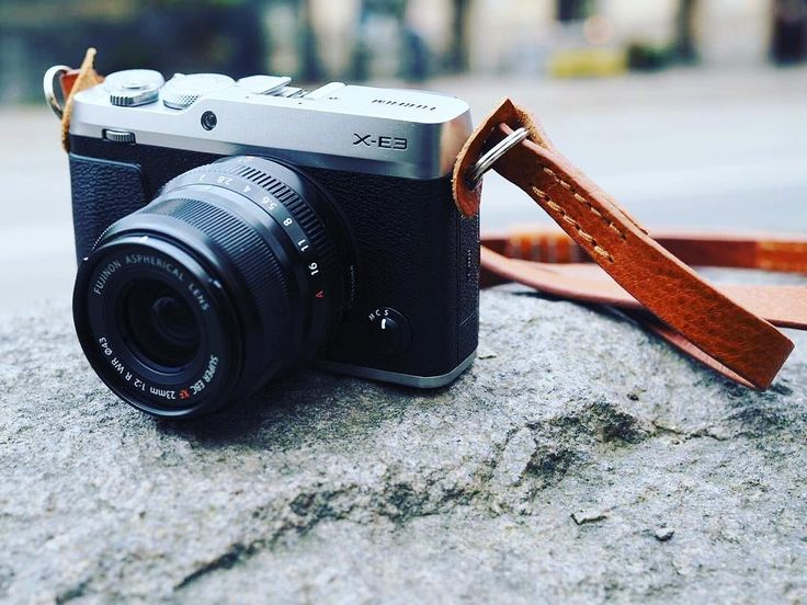 One of our retailers in Stockholm @gunnarolssonsfoto  are trying the Remmen Cognac on the new Fuji X-E3.  #fuji #x-e3 #fujixseries #fujifilm #xe3 #fujixe3 #remmenstraps #remmencognac