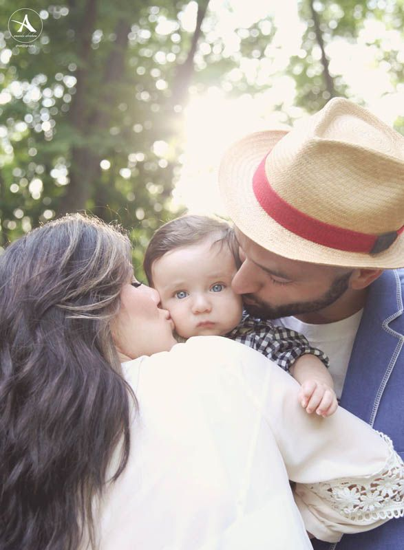 Amanda Abraham Photography, Inc. Fun and creative family and baby sessions using props to enhance your photography experience! Sunset park theme.