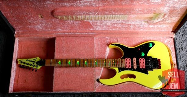 Only at www.sellmyjem.com The 2nd of our STUNNING 80s neons. Incredibly rare and outstanding condition! The 777DY!