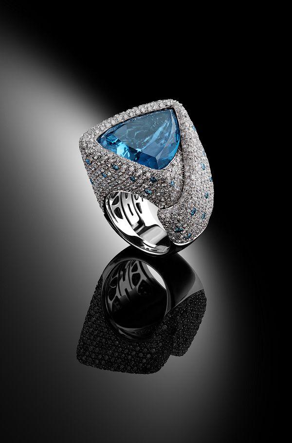 Palmiero_Captured Stone_blue