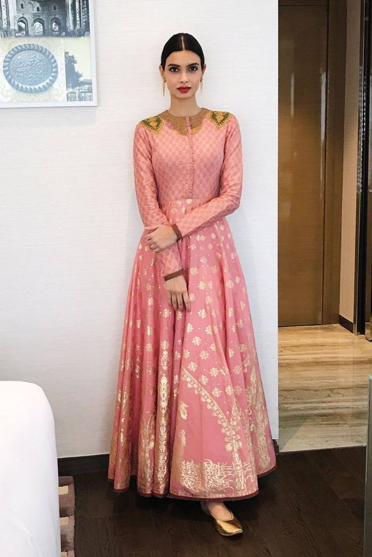 Diana Penty in Rimple and Harpreet.