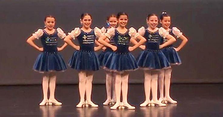 6 μικρά κορίτσια παρατάσσονται επάνω στη σκηνή. Μόλις ξεκινάει η μουσική; Ξεσηκώνουν το πλήθος! Crazynews.gr