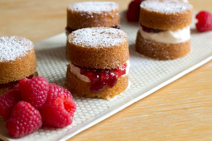 How to Make Mini Victoria Sponge Cake, Step-by-Step Recipe - Home - Oh, How Civilized