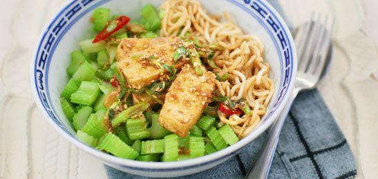 Gebakken tofu met pittige saus