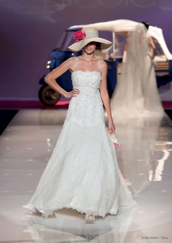 Collezione abiti da sposa #Nicole, abito da #sposa modello Nima