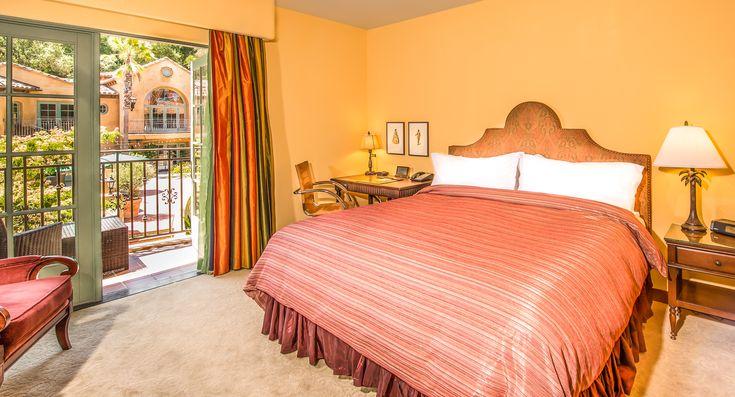 A Deluxe King room at Hotel Los Gatos.