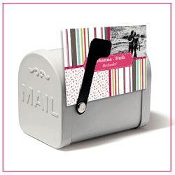De mini mailbox is een leuk klein bedankje, met daarin een briefje en lekkere snoepjes. Een leuk trouwbedankje voor jullie gasten.