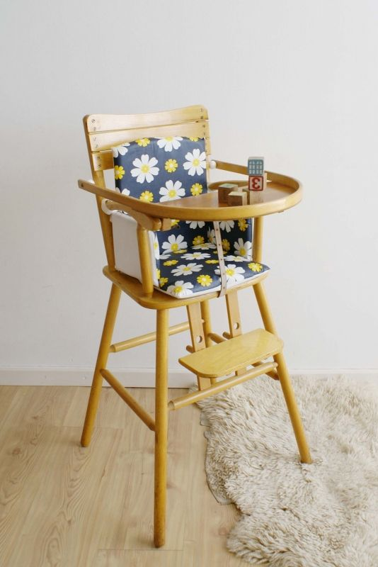 Ongebruikt Vintage houten kinderstoel van Kibofa. Kekke hoge retro stoel met HA-27