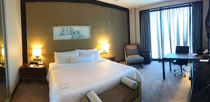 Westin Singapore had been one of the hotels we'd love to try. Finally, 2 days…