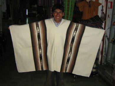 Weißer #peruanischer #Poncho, #Alpakawolle