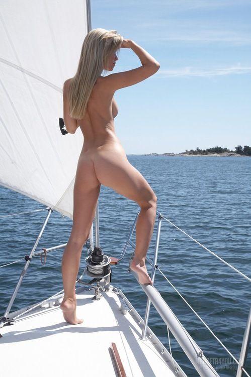 Sailboat Nude 74