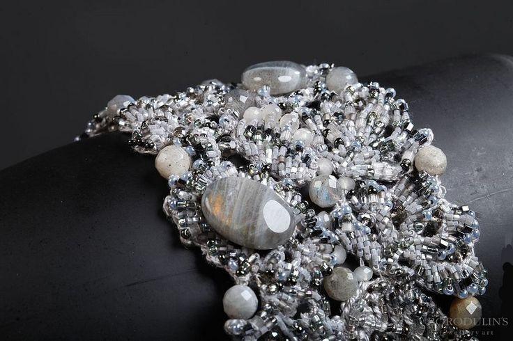 Купить Браслет - браслет, изысканное украшение, стильное украшение, серый, серебристый, бисер, лабрадор