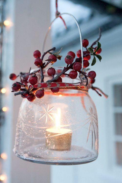 <p>Det mesta kring jul kanske börjar bli klart. Eller är det så stressigt så inte mycket hunnits med ännu? Här är 10 quick-fix-tips som höjer julkänslan direkt!</p>