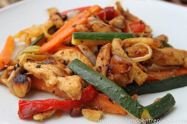 Pechugas de pollo con verduras a la miel