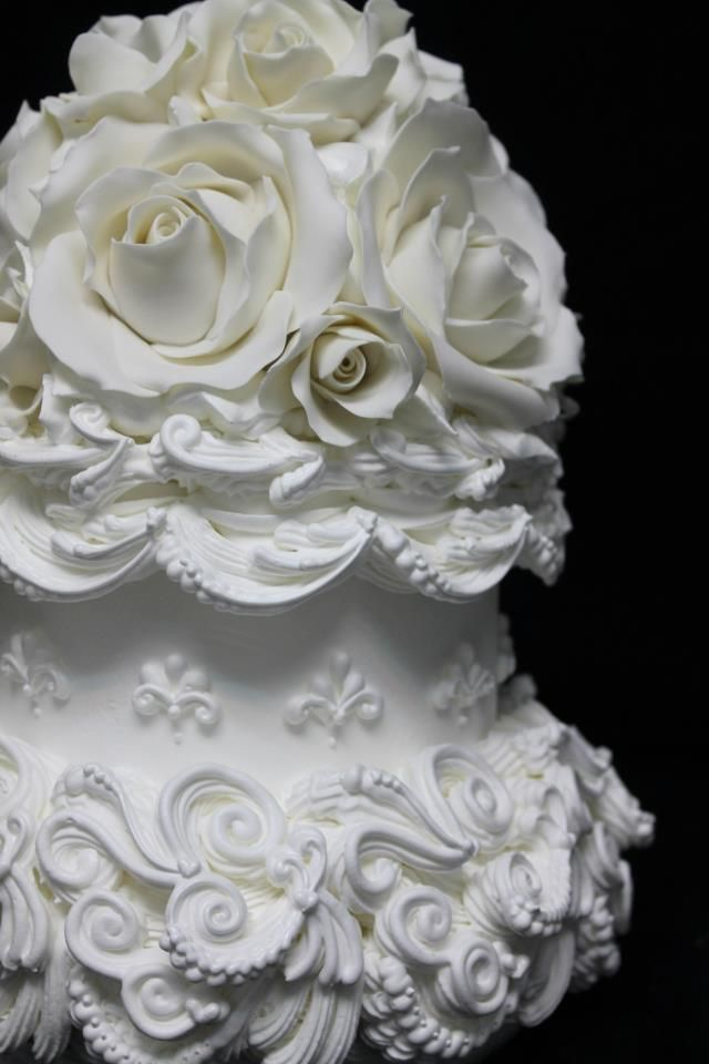 Wedding Cakes Looks Like It Has String On The Icing