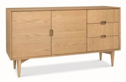 Oslo Oak Wide Sideboard modern and aromatic collection of Solidwood Furniture. Read more at http://solidwoodfurniture.co/product-details-oak-furnitures-3992--oslo-oak-wide-sideboard.html