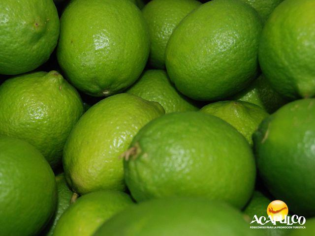 #infoacapulco Abrirá de nuevo la fábrica de limón en Acapulco. INFORMACIÓN SOBRE ACAPULCO. Tras dos años de estar cerrada la fábrica de limón en Acapulco, los productores del Consejo Estatal del Limón Mexicano en Guerrero, informaron que abrirá de nuevo y se ubicará en el poblado de La Sabana. Durante tus próximas vacaciones en el paradisiaco Puerto de Acapulco, te invitamos a mantenerte informado. www.fidetur.guerrero.gob.mx