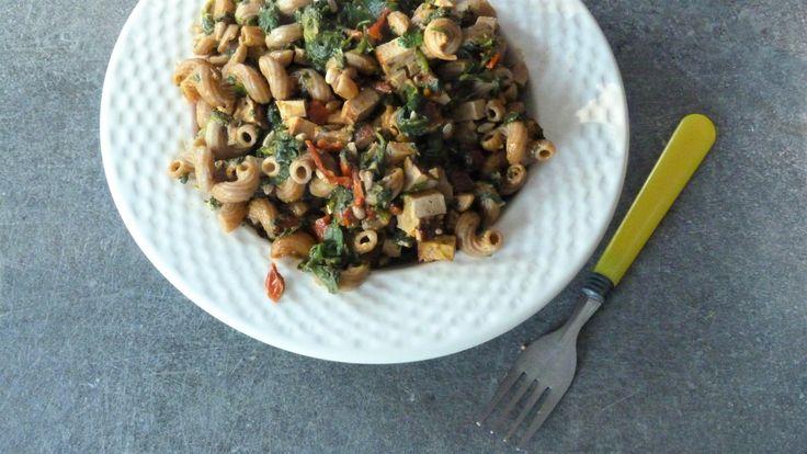 Codini aux épinards, tofu fumé et sauce piquante maison – Le Repaire des Ventres Faims
