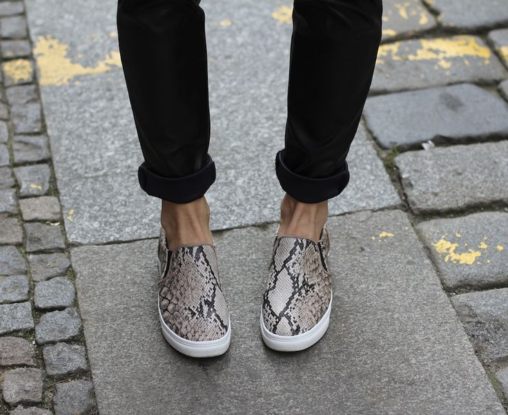 New Slip on sneakers by H&M on the blog.