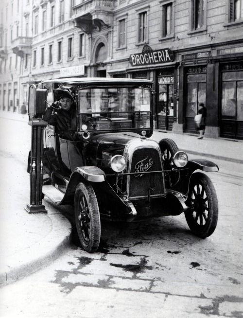 Taxi in Milano, 1920s #TuscanyAgriturismoGiratola
