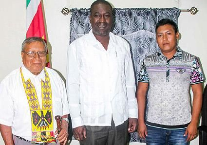 Jimmy Toeroemang is voorgedragen als opvolger van het stamhoofd van de Trio Inheemsen in Suriname. Hij is de zoon van Asongo Alalaparu, het stamhoofd van d