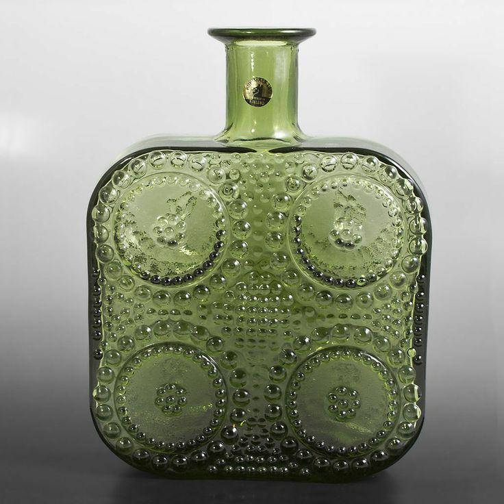 Nanny Still; Glass 'Grapponia' Vase for Riihimaen Lasi, c1970.